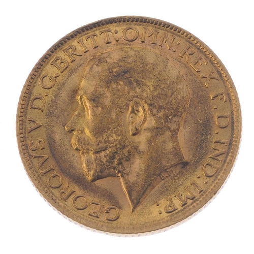 70 - George V, Sovereign 1911. Very fine.  <br>Very fine.  <br>...