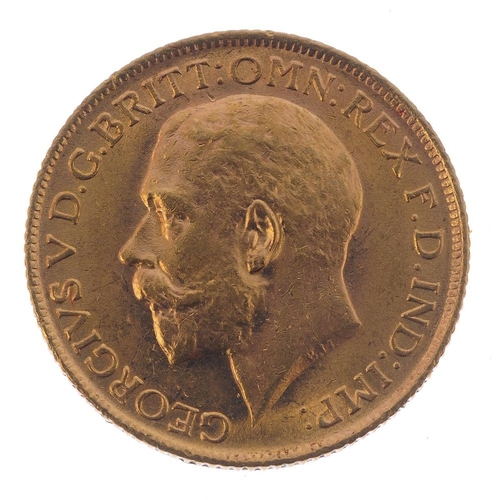 90 - George V, Sovereign 1915. Good very fine.  <br>Good very fine.  <br>...