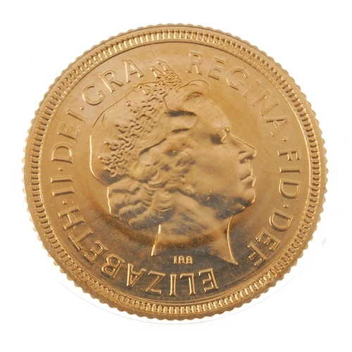 97 - Elizabeth II, Half-Sovereign 2000. As issued.  <br>As issued.  <br>...