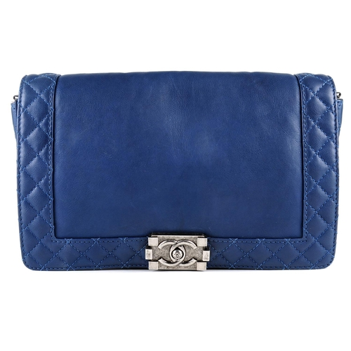 a29eff65739c 30 - CHANEL - a teal Medium Boy Reverso Flap handbag. Featuring a teal blue