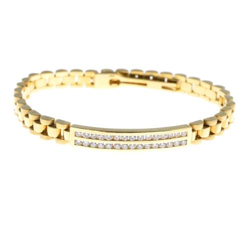 25 - A diamond bracelet. Comprising two brilliant-cut diamond lines, to the brick-link back-chain. Estima...