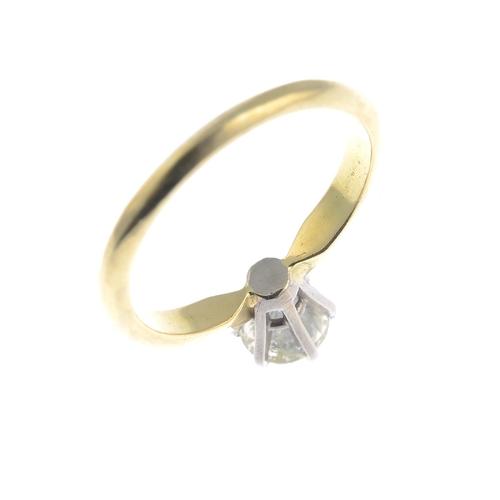 16 - An 18ct gold brilliant-cut diamond single-stone ring.Estimated diamond weight 1ct, tinted colour, P1...