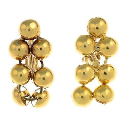36 - A pair of earrings.Fittings for non-pierced ears.Length 2.3cms. 4.9gms....