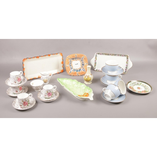 29 - A Box of miscellaneous ceramic's, Sylvac, Royal Winton, Royal Worcester examples...