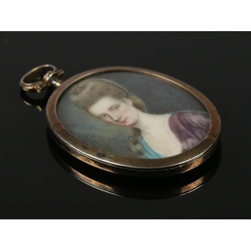 52 - A fine quality 18th century English George II portrait miniature. 4cm x 3cm.