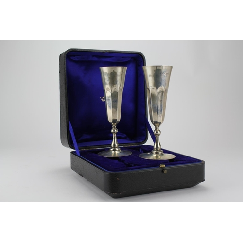 7 - A pair of Silver goblets marked London 1959 & London 1973. Total Weight 13.40oz...