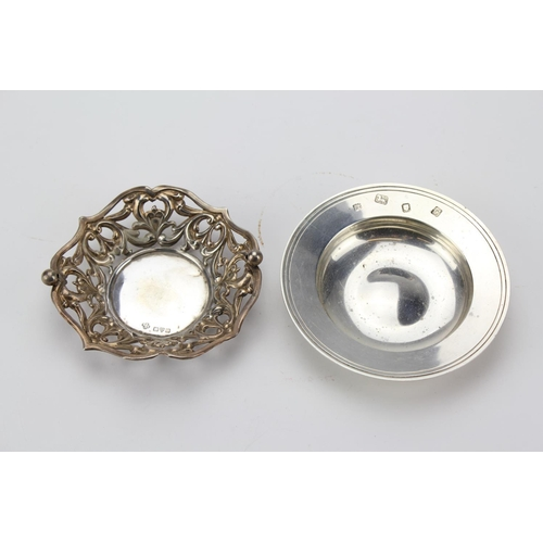 21 - A Silver Pin Dish with pierced decoration & a Silver Armada dish. Total weight 4.13oz.