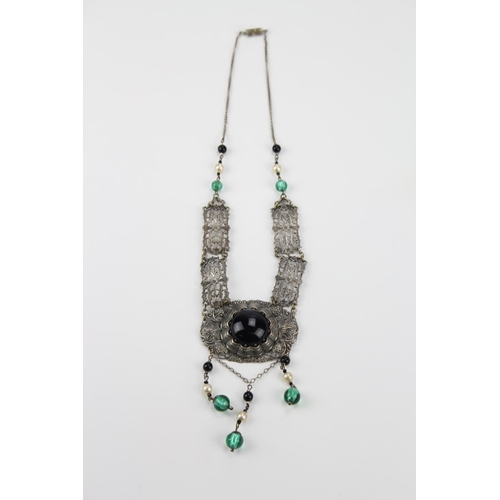 30 - A 1920's/30's costume necklace, decorated with black and green stones, with a screw on neck chain....
