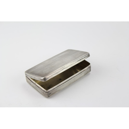 5 - A Dutch silver fluted snuff box with gilt interior, circa 1820....