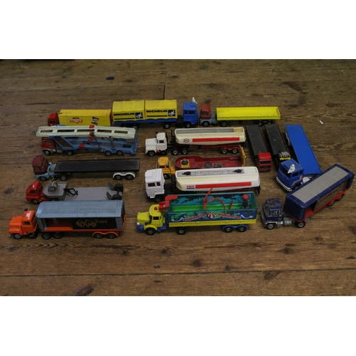 736 - A Collection of 15 Unboxed Corgi Trucks & Trailers from the 1970's in varying conditions. Nice Lot....