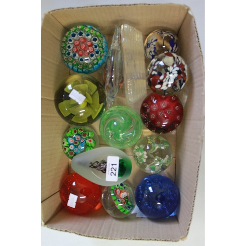 221 - A collection of Medina paperweights & other Millefiori and bubble glass....