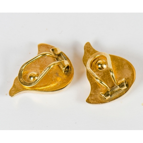 20 - A pair of Turkish ball and cluster earrings (2.1 grams) along with a pair of swirl pattern gold earr...