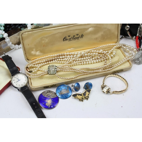 40 - A silver mounted cigarette box, pearls, silver, brooches, etc....