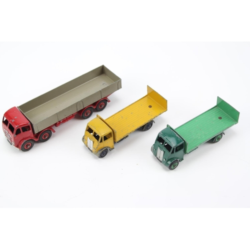 432 - 3 x Dinky Models to include: 501 - Foden 8 Wheel Wagon in Red & Fawn, 2 x 513 - Guy Flat Truck with ...
