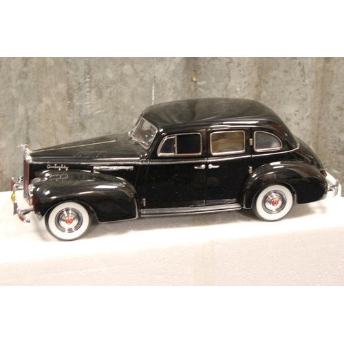 43 - 2 x Guiloy Miniature Collection 1/18th scale models to include: BMW 327 Coupe & a 1938 Packhard, bot...