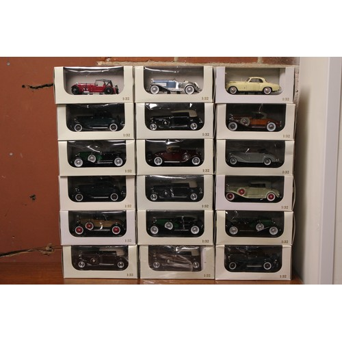 49 - 18 x 1/32nd Signature Models, all Mint with Excellent Original Boxes....