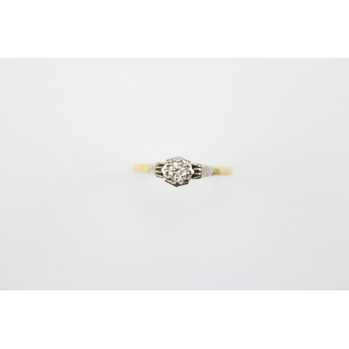 41 - A Single Stone Diamond Ring mounted in Gold. Size: S....