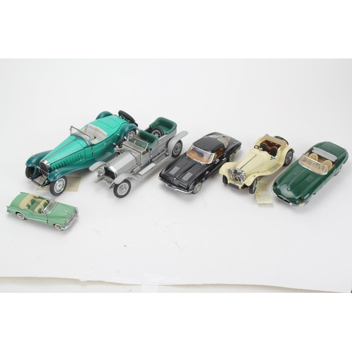 319 - A Collection of 6 x 1/24th Scale Danbury/Franklin Mint Model Cars to include: Rolls Royce, 2 x Jagua...