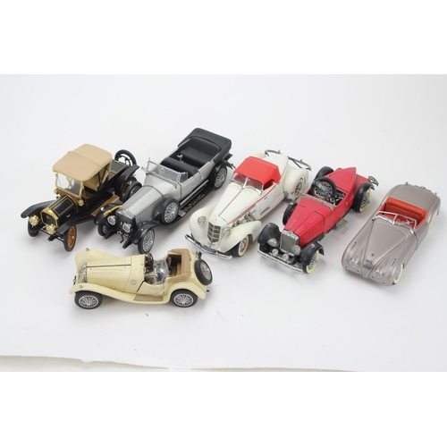 322 - A Collection of 6 x 1/24th Scale Danbury/Franklin Mint Model Cars to include: 2 x Jaguar, 1 x Rolls ...