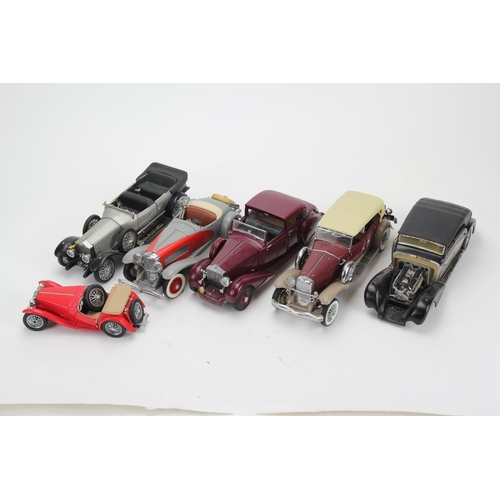 323 - A Collection of 6 x 1/24th Scale Danbury/Franklin Mint Model Cars to include: 2 x Rolls Royce, 2 x D...