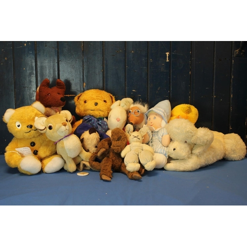 5 - A Quantity of plush teddy bears and soft toys, includes: Gabrielle Designs Paddington Bear hand pupp...