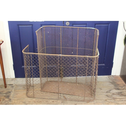 647 - An Early Victorian Nursery Fire Guard with Crossed Mesh & Brass Top.  Measuring: 77cms across x 90cm...