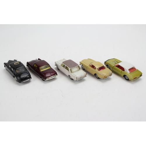 4 - A Tray of 5 x 1960's Corgi Models to include: Riley Pathfinder, Citroen Le Dandy, Fiat 2100, Volvo P...