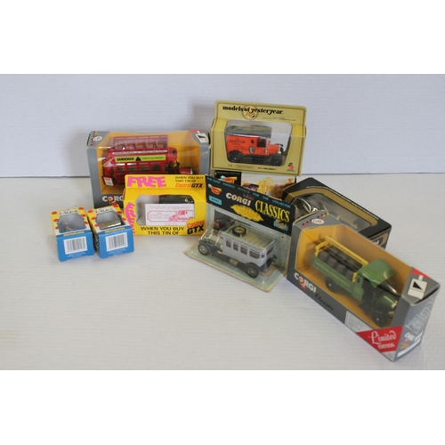 13 - A Tray of Boxed Models to include: Corgi Classics, Models of Yesteryear, Noddy, etc.