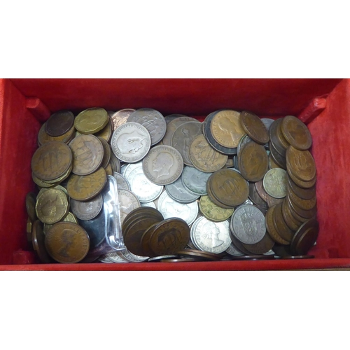 31 - Uncollated British pre-decimal coins and banknotes: to include King George VI shillings