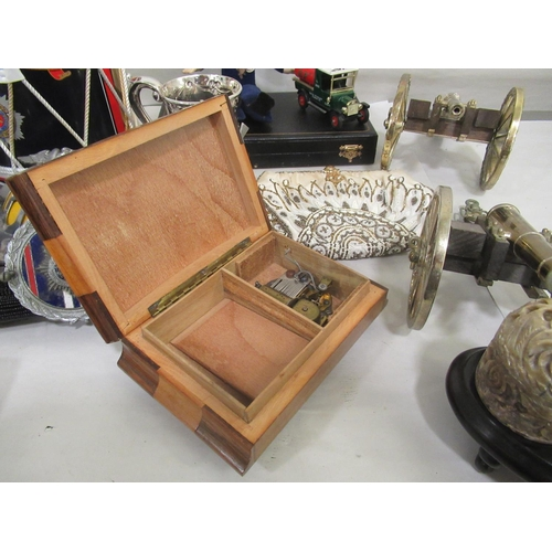 39 - A mixed lot: to include a silver plated tankard; and cased drawing instruments