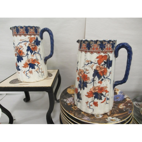 41 - Decorative ceramics: to include a wrought iron trivet set with a Minton pottery tile 7