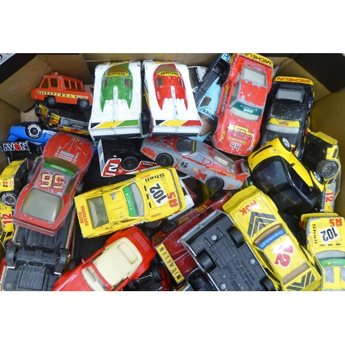 10 - Uncollated diecast model vehicles: to include sports cars, mainly Matchbox
