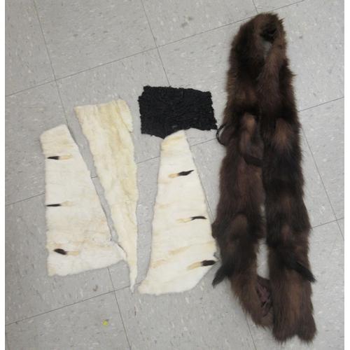 33 - Vintage fur and loose trimmings