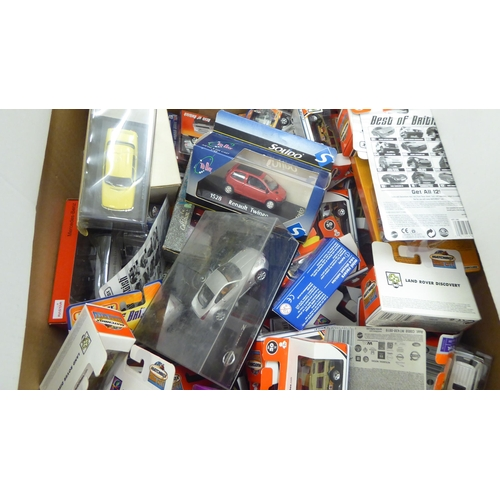 52 - Uncollated boxed diecast model vehicles, mainly Matchbox: to include Hero-City series