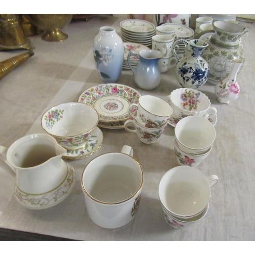 175 - Decorative ceramics: to include a Copenhagen porcelain vase 5.75