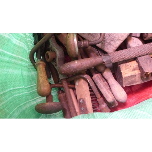 58 - Vintage tools: to include a hand drill