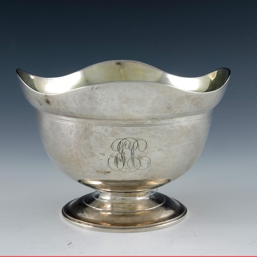 11 - An Imperial Russian silver bowl, assay master Alexander Yashinkov, St Petersburg 1801, pedestal ogee...