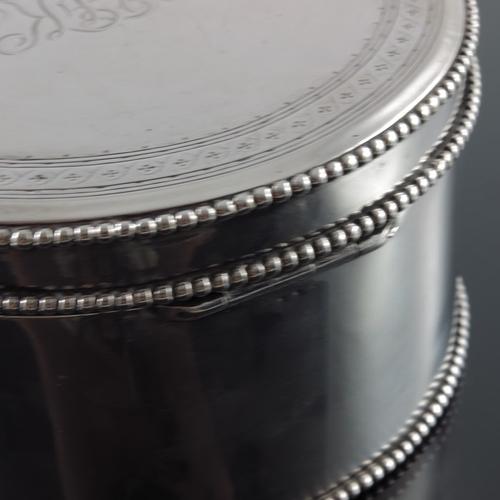 15 - An 18th century Dutch silver box, Jacob van Nieuwcasteel, Utrecht 1793, duty marks for 1856, circula...