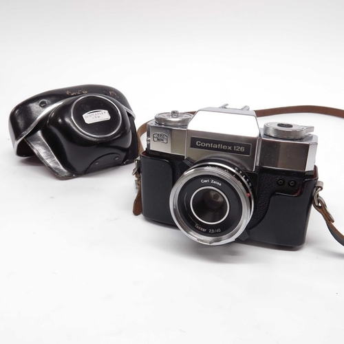 45 - A Carl Zeiss Ikon Contaflex 126 camera with a Teesar 2.8/45 lens, in case...