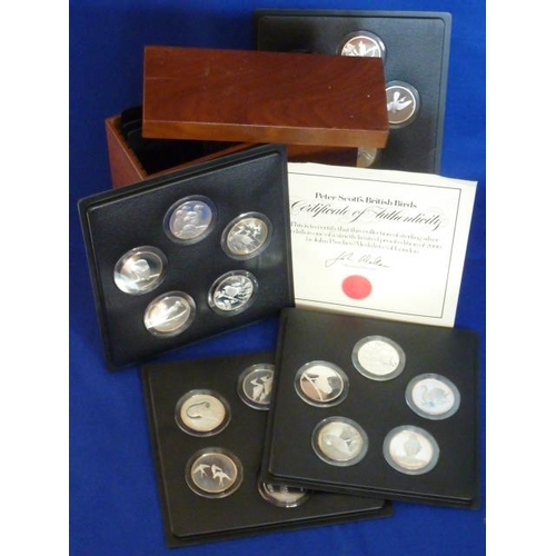 171 - A collection of 35 large sterling silver Medals ''Peter Scott's British Birds'', one of a strictly L...