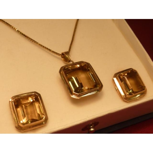 280 - A 14 carat gold large citrine Necklace together with matching Earrings...