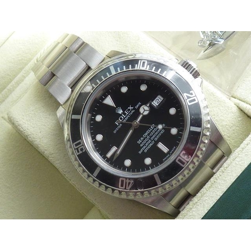 315 - A gentleman's steel Rolex Oyster Perpetual Date Sea-Dweller (Model No. 16600) Wristwatch, superlativ...