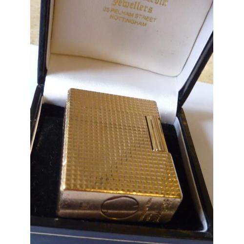 362 - A gold plated S J Dupont (Paris) Lighter...