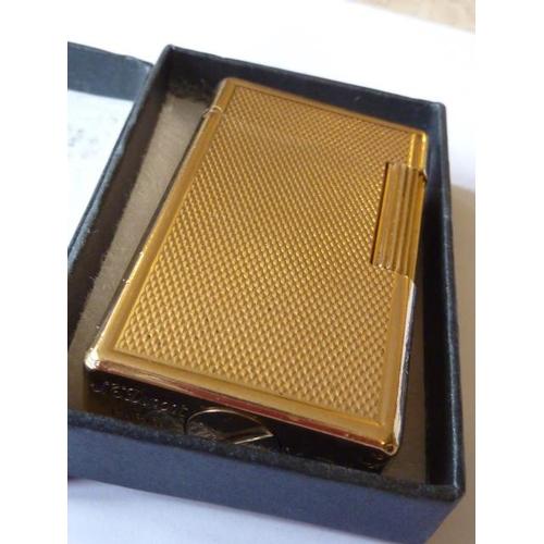 363 - A gold plated S J Dupont (Paris) Lighter...