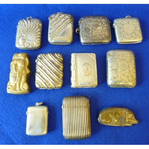 492 - Eleven (mostly silver plated) various late 19th/early 20th Century Vesta Cases, varied selection, th...
