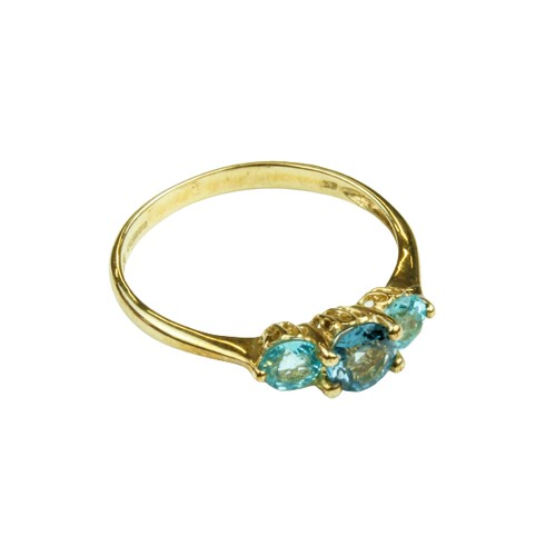 554 - <strong>An attractive three stone </strong><strong>aquamarine</strong><strong> Ladies Ring Set,</str...