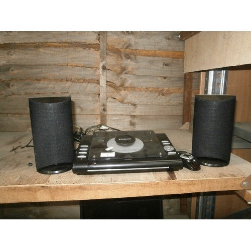 4 - Polaroid CD player with speakers & remote (working)...