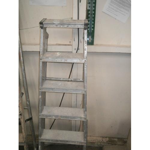 44 - Aluminum stepladders...