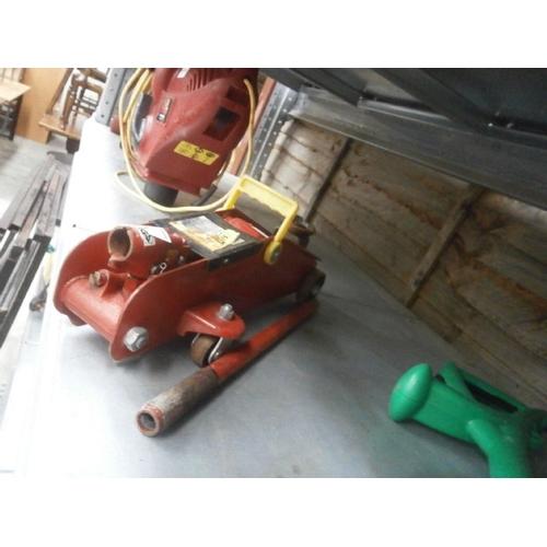 6 - Hydraulic jack...