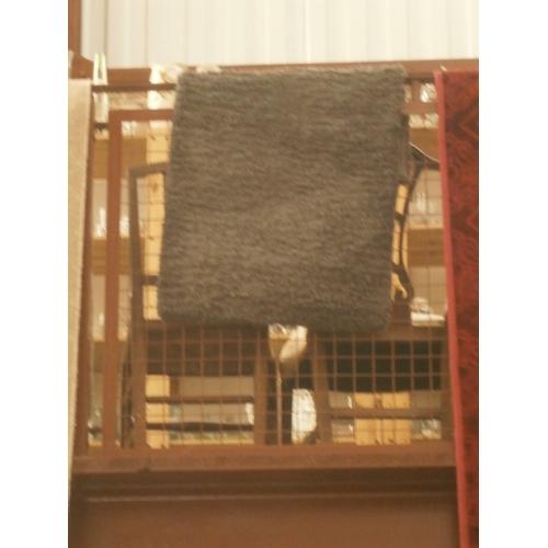 198 - Small grey rug...